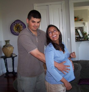 Sadia and her husband, while expecting. From M and J's Birth Story from hdydi.com