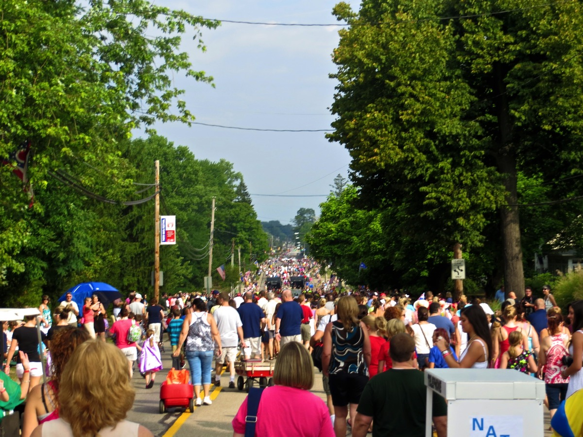 Double Take Parade, Twins Days Festival, Twinsburg, OH. A Twins Days Festival Guide.